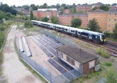 Reino Unido possui primeira linha férrea totalmente movida a energia solar
