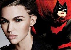 Batwoman - Ruby Rose veste pela primeira vez a pele da heroína!