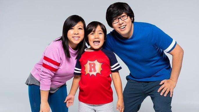 YouTuber Ryan Kaji com a sua família