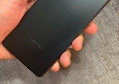 Samsung Galaxy A52 visto em fotografias reais antes do lançamento