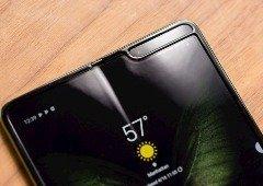 Samsung Galaxy Fold testado em vídeo até partir