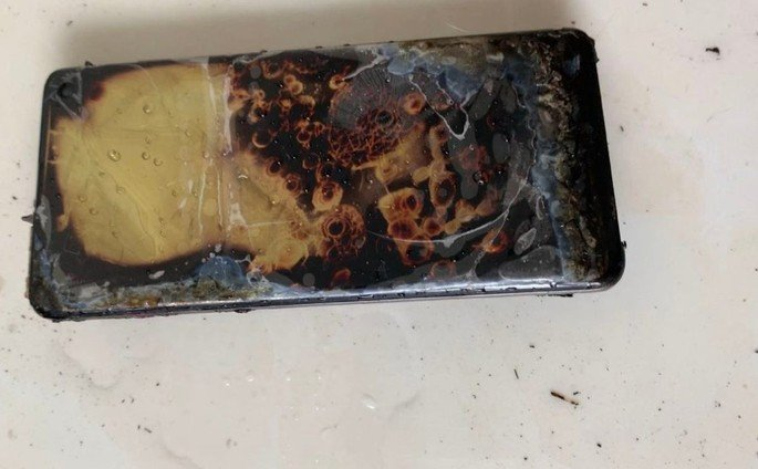 Samsung Galaxy S10 ardeu