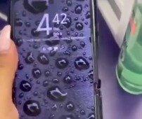 Samsung Galaxy Z Flip. Vídeo de hands on mostra o dobrável com uma estranha capa