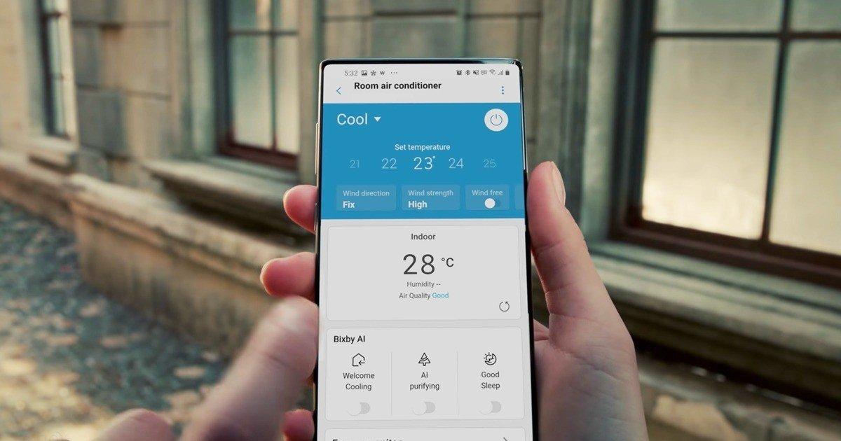 Samsung cho thấy một điện thoại thông minh bí ẩn và tương lai trong video quảng cáo 3