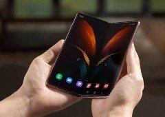 Samsung quer colocar no mercado um novo formato de smartphone dobrável