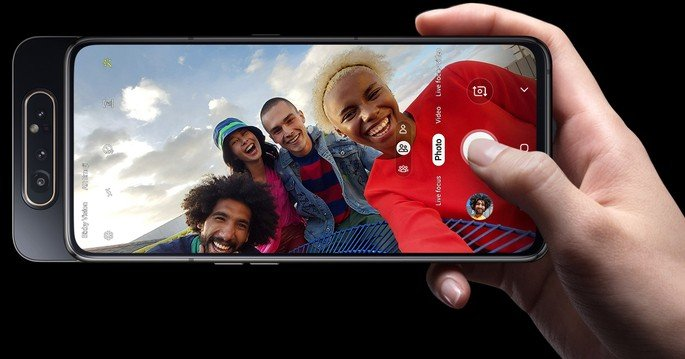 Samsung Galaxy A80 selfies