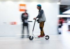 Hackers podem controlar a scooter da Xiaomi graças a bug