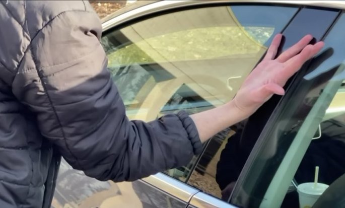 Tesla chave na mão