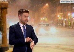 Siri contradiz previsões dadas por meteorologista em direto (video)