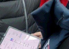 Xiaomi: alegado smartphone dobrável é apanhado nas mãos de utilizador