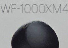 Sony WF-1000XM4: design dos auriculares topo de gama apanhado online