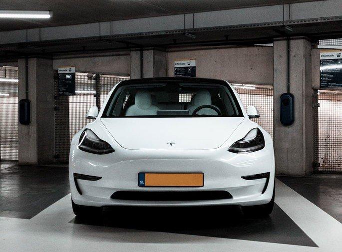 Tesla venda de carros em Portugal Nissan