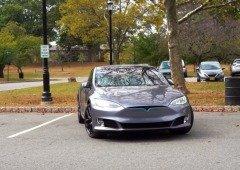 """Tesla acusada de testar versões """"Beta"""" dos seus carros com os seus utilizadores"""