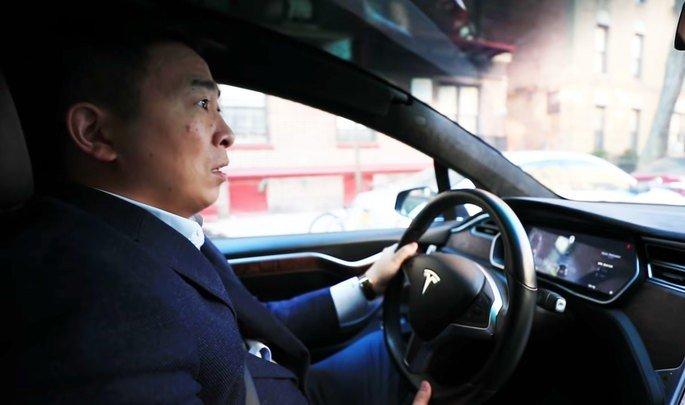 Andre Yang carro Tesla