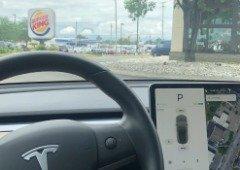 Tesla Autopilot: Burger King aproveita falha e lança uma publicidade hilariante! (vídeo)