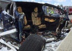 Tesla Autopilot volta a estar em sérios problemas devido a um acidente fatal!