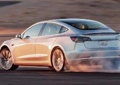 "Tesla começa a vender ""pacote de corrida"" para o Tesla Model 3 Performance! (vídeos)"