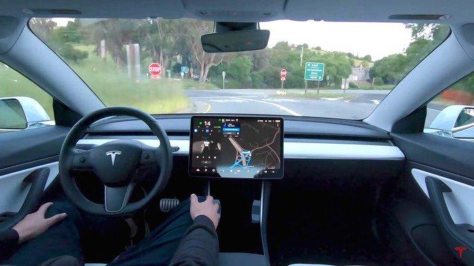 Tesla Elon Musk condução autónoma