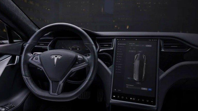 Tesla envolvida em nova polémica! Agora cobram um balúrdio para instalar rádio FM