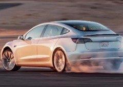 """Tesla está a desenvolver novo """"Pacote de competição"""" para os seus carros elétricos"""