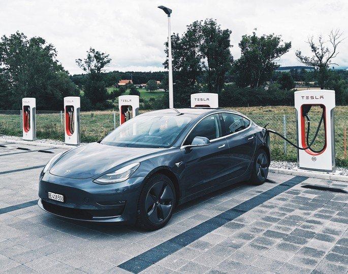 Tesla carro elétrico