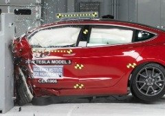 Tesla Model 3 considerado o mais seguro em caso de acidente! Vê os vídeos