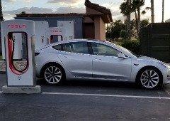 Tesla Model 3: problema impossibilita carregamento do carro na Europa