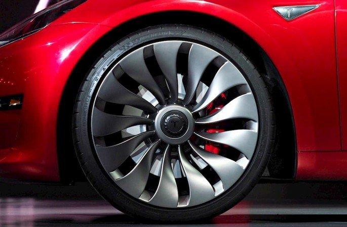 Tesla Model 3 jantes turbina