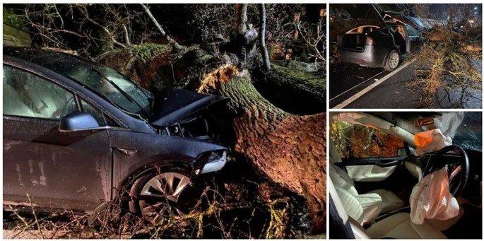 Tesla Model X acidente piloto automático