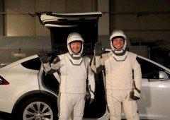 Tesla Model X é o transporte oficial dos astronautas da NASA! Vê as diferenças para o transporte anterior
