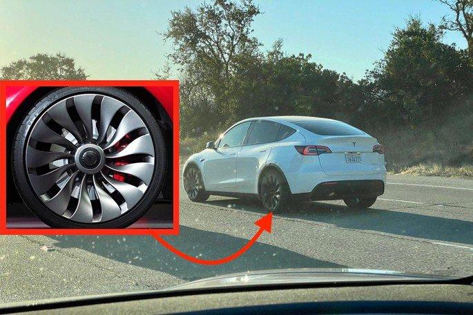 Tesla Model Y jantes Turbina