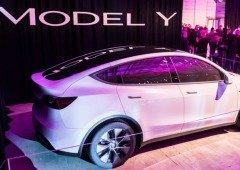 Tesla Model Y aparece em vídeo a mostrar como funciona a 3ª fila de assentos