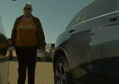 Tesla: mulher apanhada (em vídeo) a riscar um Tesla Model 3 entrega-se à polícia!