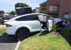 Tesla nega categoricamente que os seus carros estejam a sofrer de acelerações repentinas