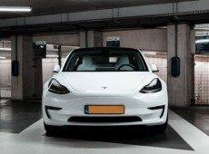 Tesla rebenta com a Nissan e é quem mais vende carros elétricos em Portugal! (Vê os números)