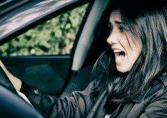 Tesla: relatório confirma que muitos condutores não sabem a diferença entre os pedais!