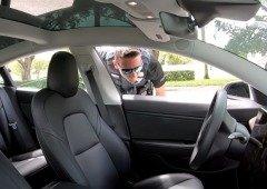 Tesla sem condutor foi mandado parar pela polícia! (vídeo)
