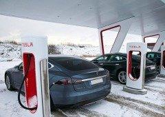 Tesla vai impedir utilizadores de carregar os seus carros até 100%