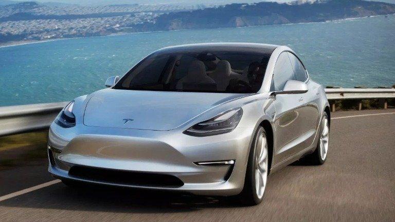 "Tesla volta a enganar os seus fãs. Model 3 ""Made in China"" está a ser vendido na Europa!"