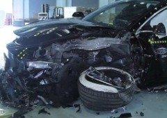 Tesla volta a ser acusada de negligência. Acidente na China matou duas pessoas!