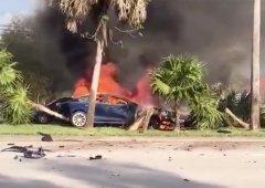 Condutor de Tesla morre em incêndio por (alegada) falha técnica