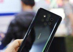 Utilizador desbloqueia o Nokia 9 PureView com um pacote de chiclets