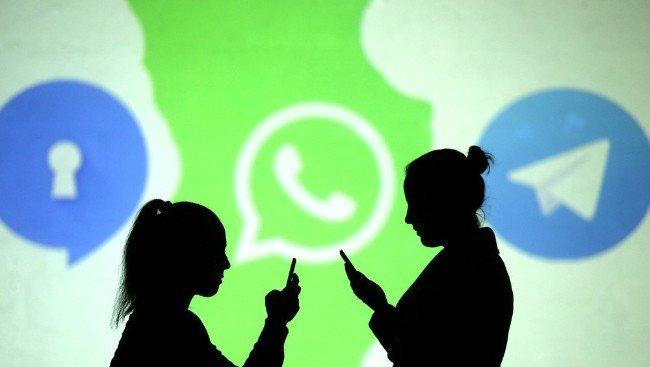 WhatsApp Signal Telegram\