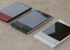 BlackBerry Passport em Preto, Branco e Vermelho