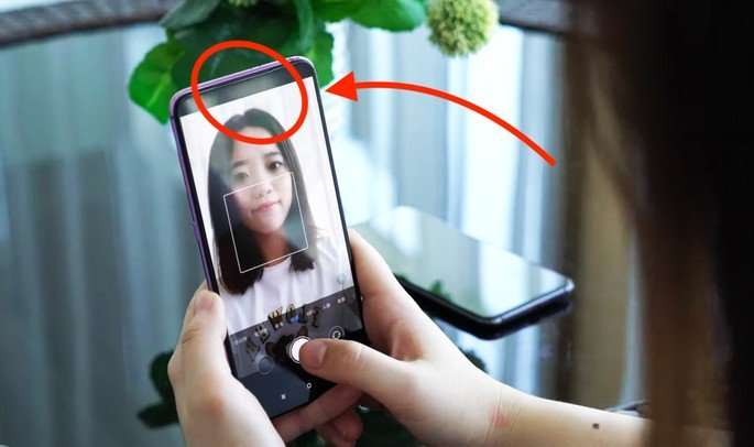 Xiaomi câmara dentro do ecrã