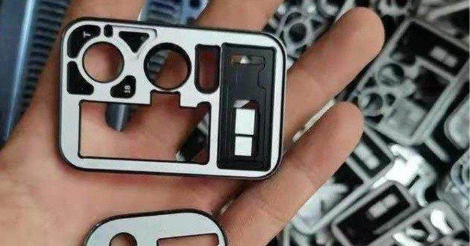 Alegado módulo de câmaras do Mi 11 Pro com ecrã. Crédito: ITHome