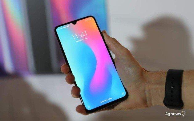 Xiaomi Mi 9 com MIUI 10